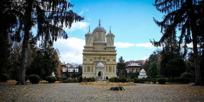 Monasterio-Curtea-Arges