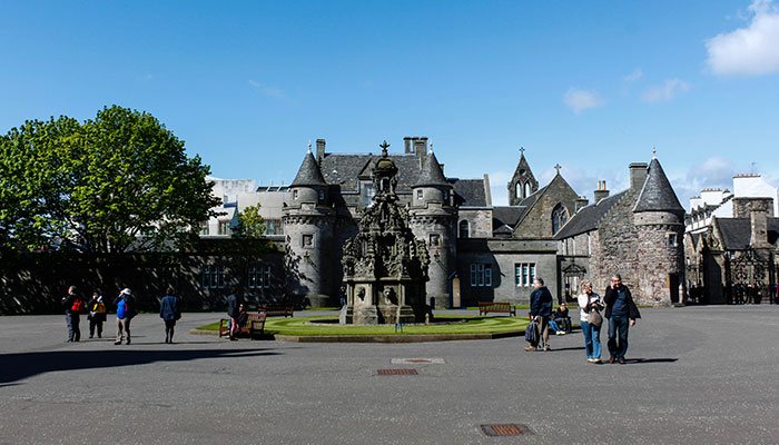 Holyroodhouse-Palace-Edimburgo