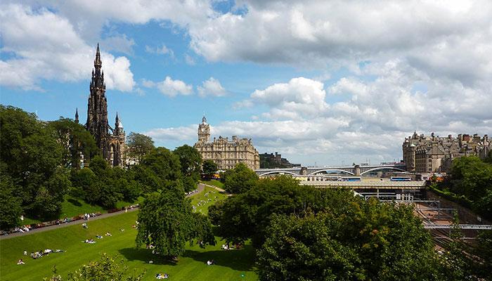 Monumento-W-Scott-Edimburgo