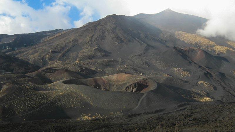 Increíble vista desde la base del Etna