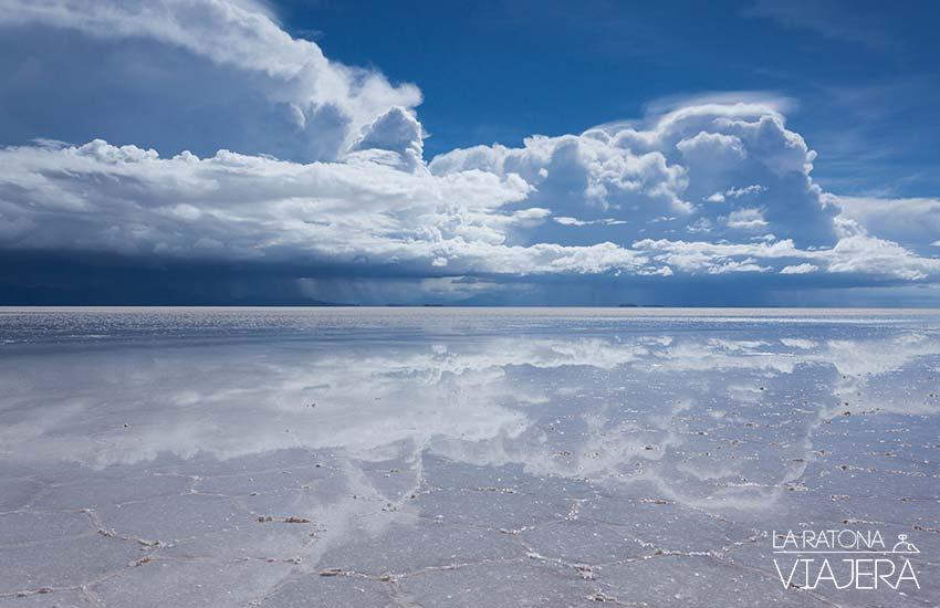 Este es el efecto espejo en El Salar de Uyuni