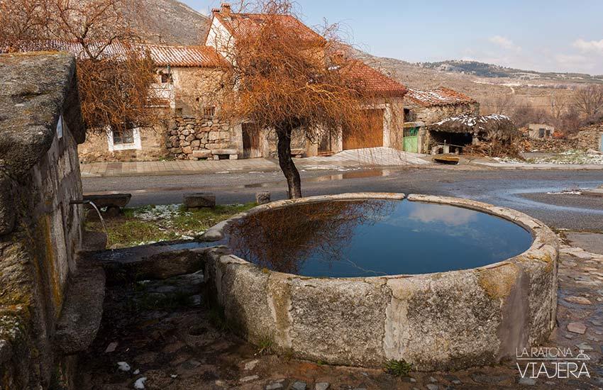 Pilón de granito en Mengamuñoz